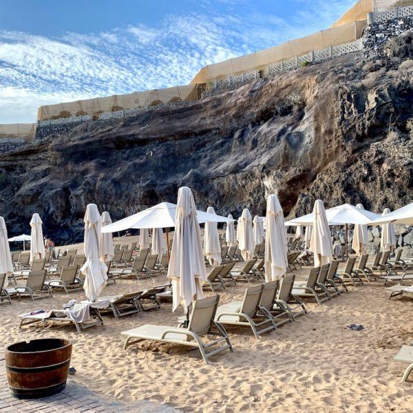 Playa Abama Teneriffa Liegestühle Sonnenschirme