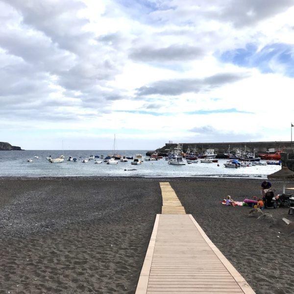 Playa de San Juan Teneriffa Holzsteg Strand