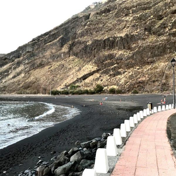Playa de la Arena Mesa del Mar Promenade