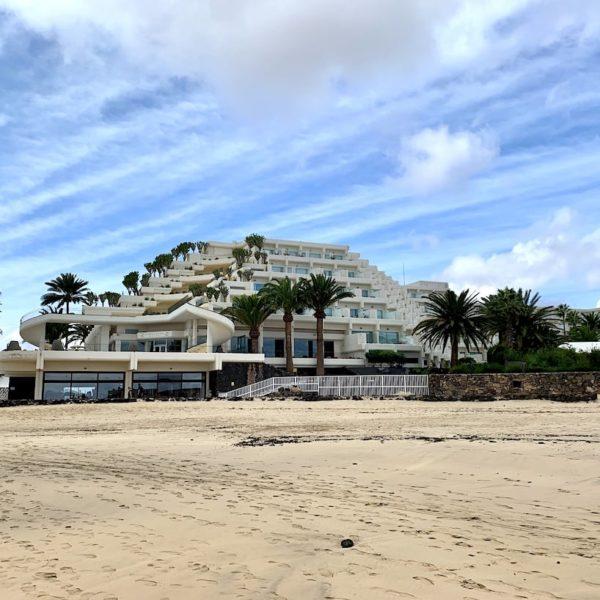 Playa de las Cucharas Hotel Meliá Salinas Costa Teguise
