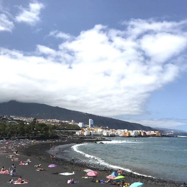 Playa del Castillo Puerto Cruz schwarzer Sand
