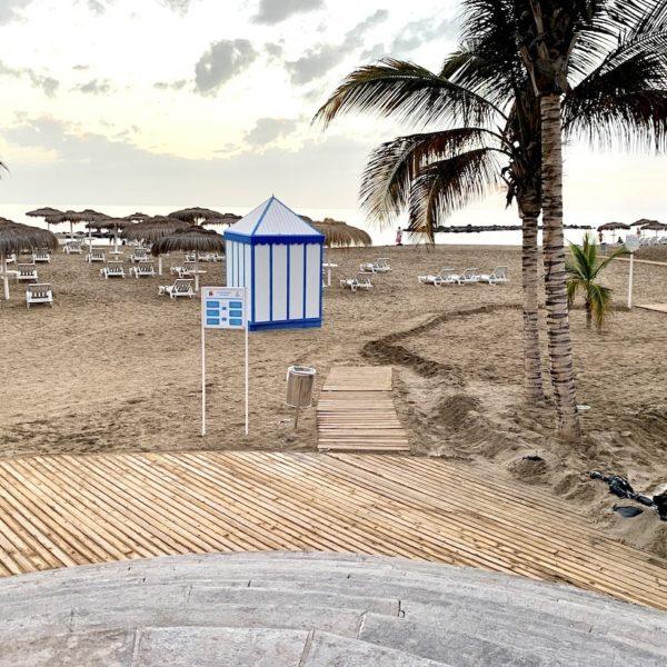 Playa del Duque Teneriffa Holzsteg Strand