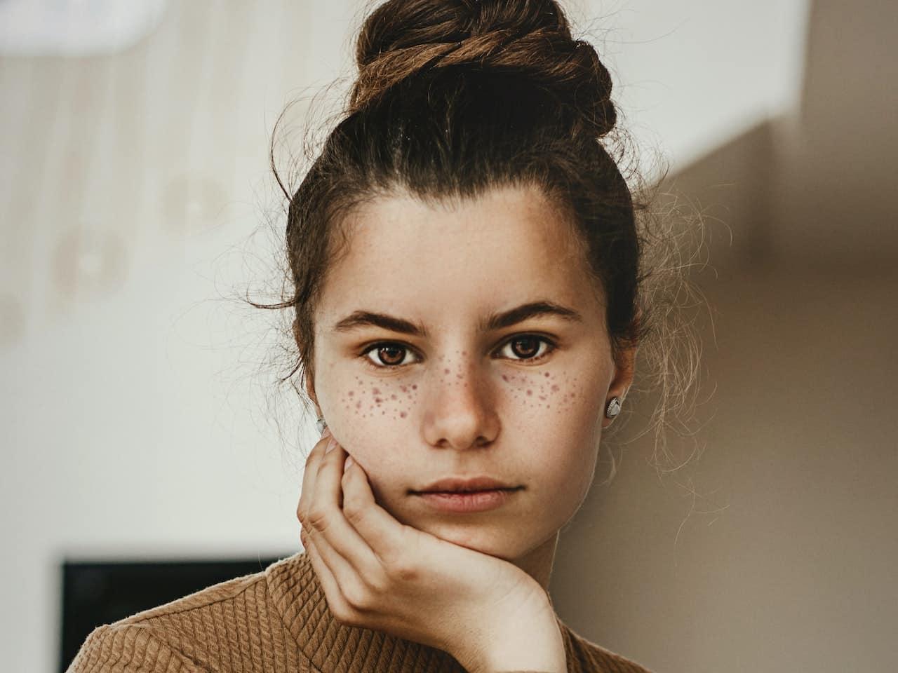 Portrait zusammengebundene Haare