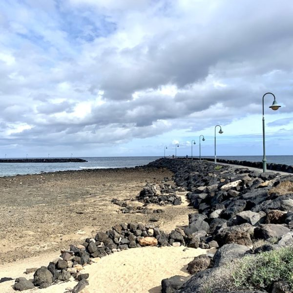 Promenade Strand Laternen Costa Teguise Lanzarote
