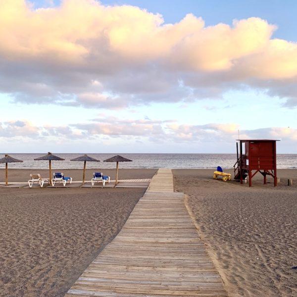 Puerto del Carmen Strand Liegen Bademeister