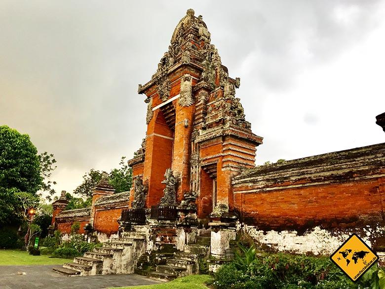 Pura Taman Ayun Temple Bali Eingangstor