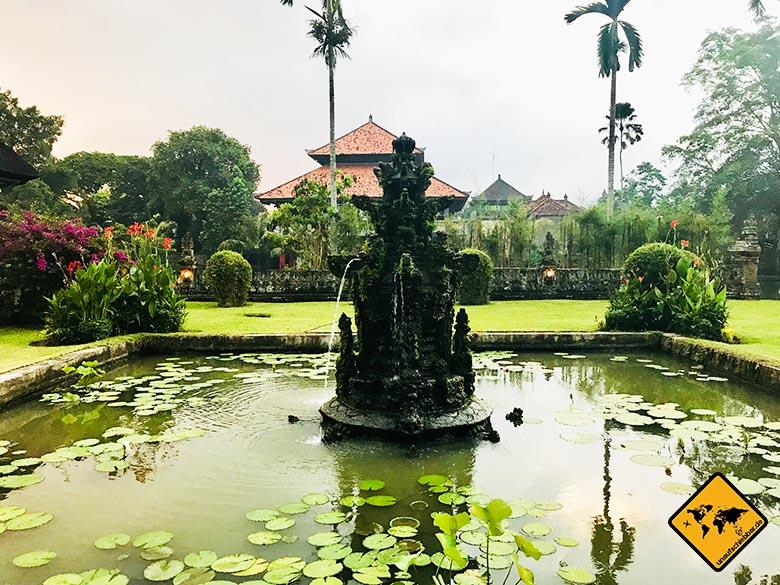 Pura Taman Ayun Temple Seerosenteich Eingang