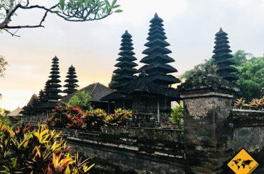 Pura Taman Ayun Temple Bali – Sonnenuntergang im Gartentempel