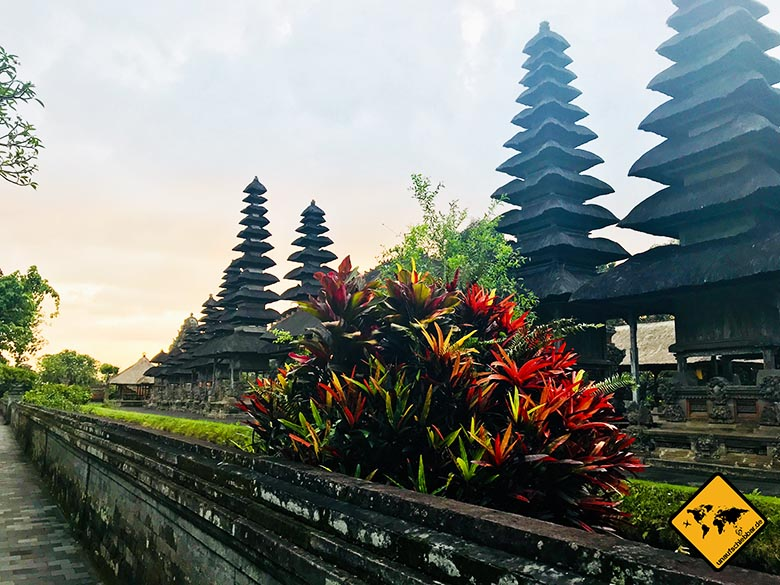 Pura Taman Ayun Temple bunte Pflanzen
