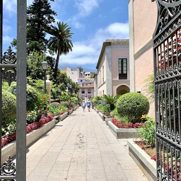 Rathaus La Orotava Rückseite Park