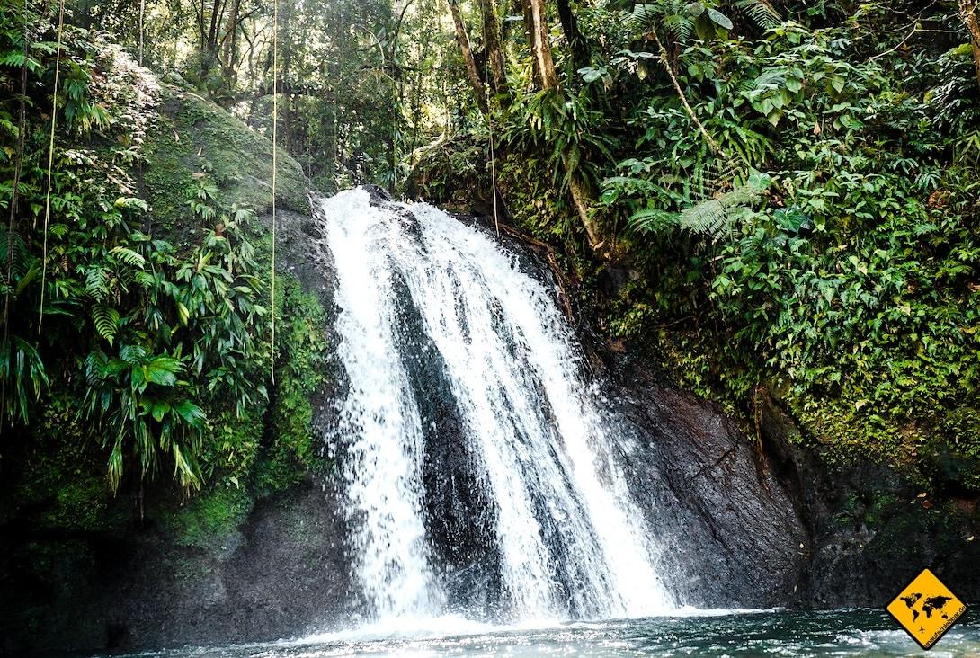 Regenzeit Sri Lanka Wasserfall