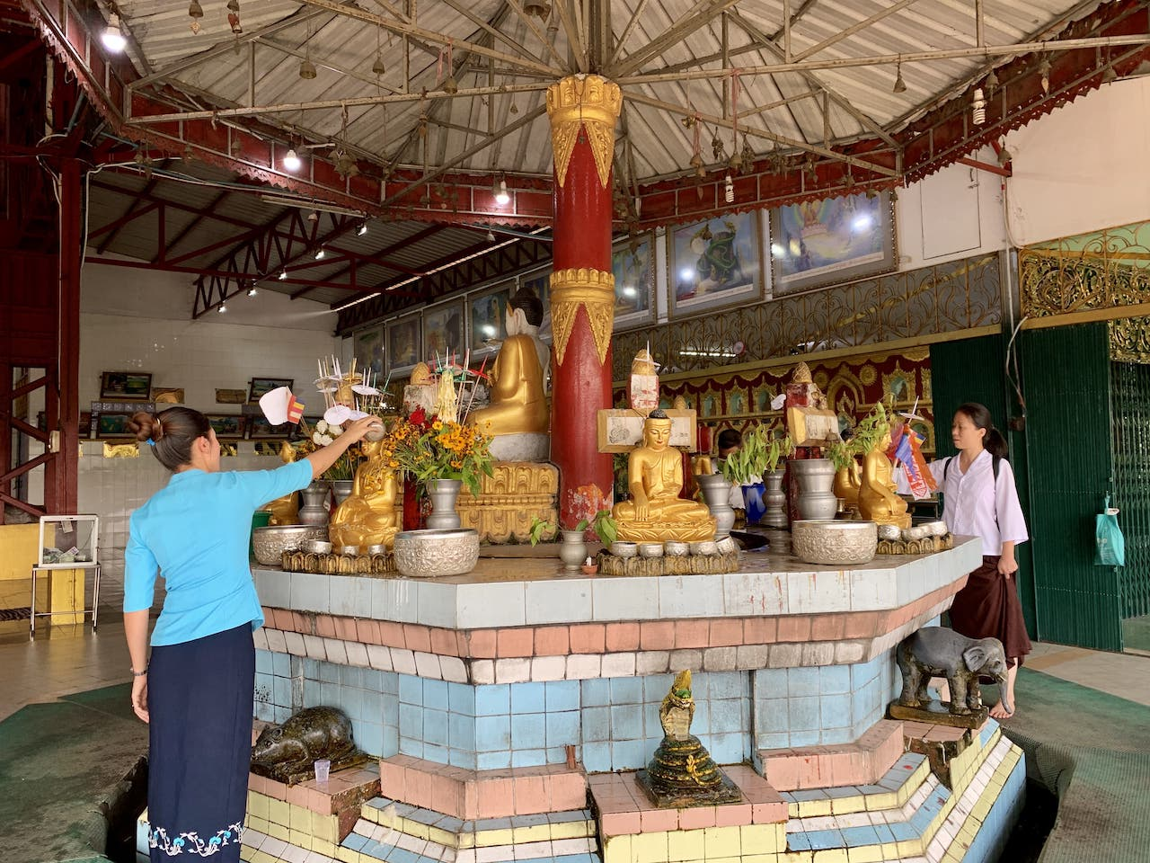 Religion in Myanmar Wochentags-Buddhas Tiere