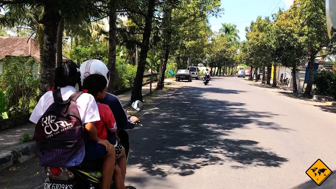 Um beim Roller fahren auf Bali sicher unterwegs zu sein, kannst du vorab ein Fahrsicherheitstraining für Zweiräder absolvieren