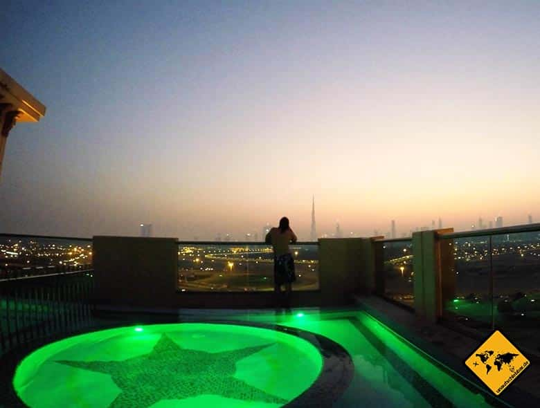 Roof top pool im Marriott al Jaddaf Dubai