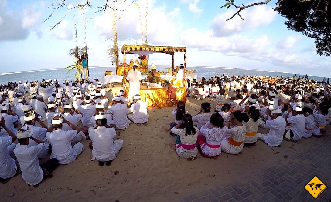 Sanur Strand Hindu Zeremonie