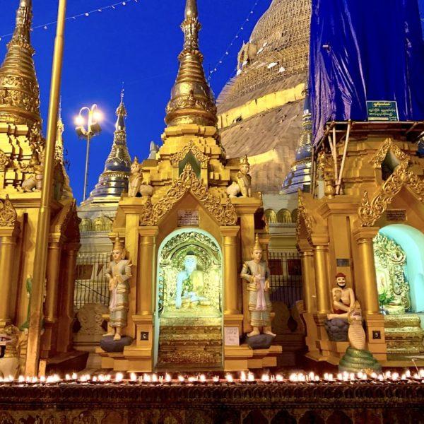 Shwedagon Pagode Myanmar kleinere Stupas