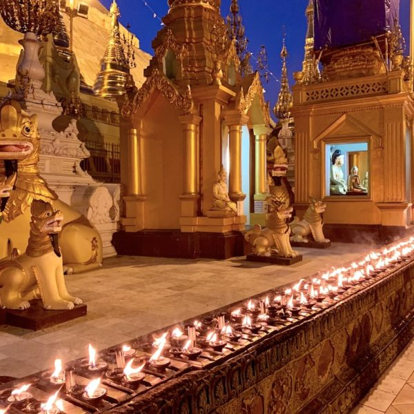 Shwedagon Pagode Yangon Kerzenlichter