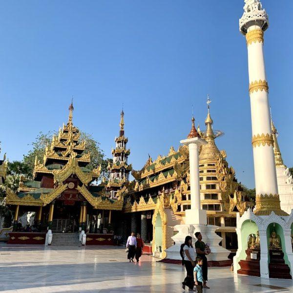 Shwedagon Pagode tagsüber