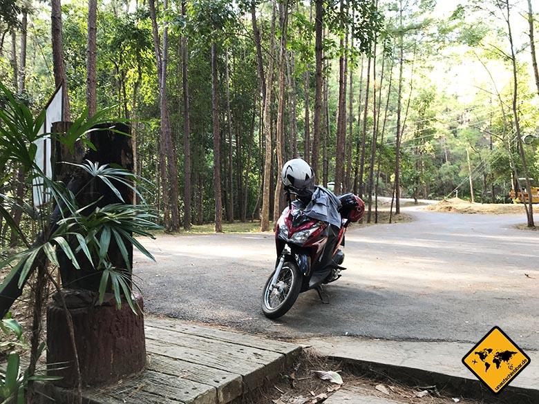 Sirithan Waterfall Parkplatz