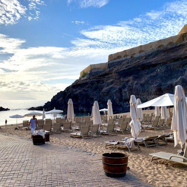 Sonnenschirme Playa Abama Teneriffa