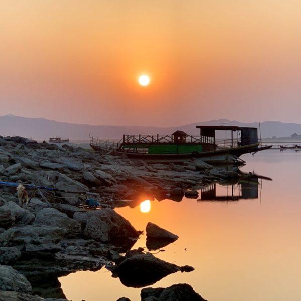 Sonnenuntergang Irrawaddy Fluss Bagan Myanmar