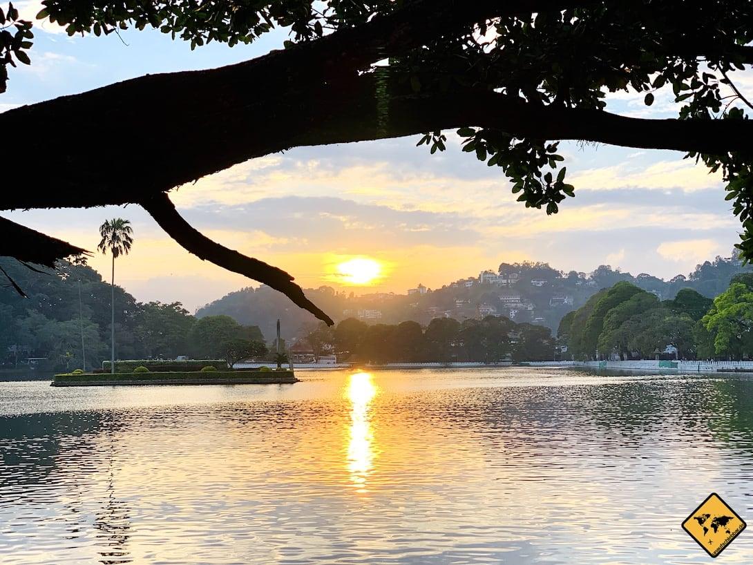 Sonnenuntergang Kandy Lake