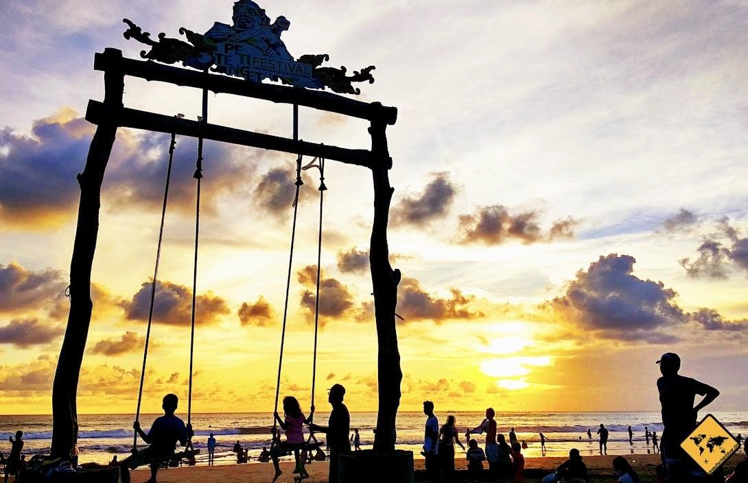 Sonnenuntergang Kuta Bali Schaukel Strand
