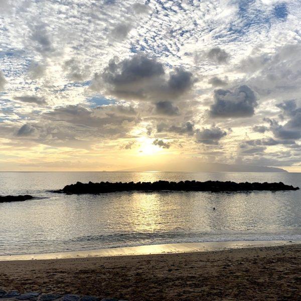 Sonnenuntergang Wellenbrecher Playa Abama Teneriffa