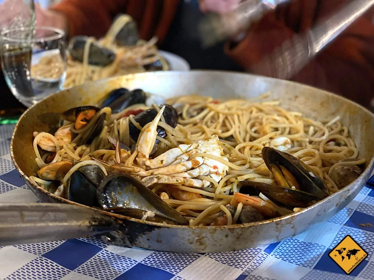 Spaghetti Frutti di Mar Agua y Sal Tajao