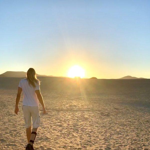 Spaziergang Dünen Corralejo Fuerteventura Sonnenuntergang