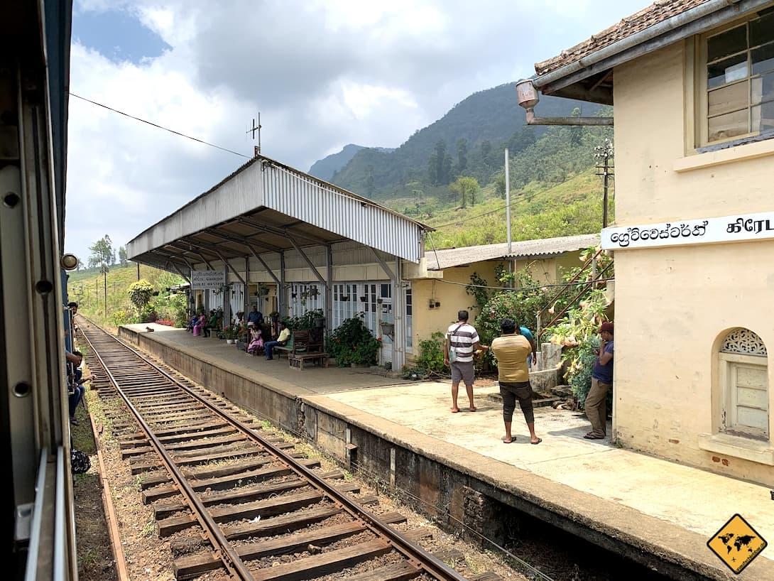 Sri Lanka Bahnhof Zugfahrt