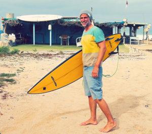 Surfen auf Bali - Stefan von travelonboards