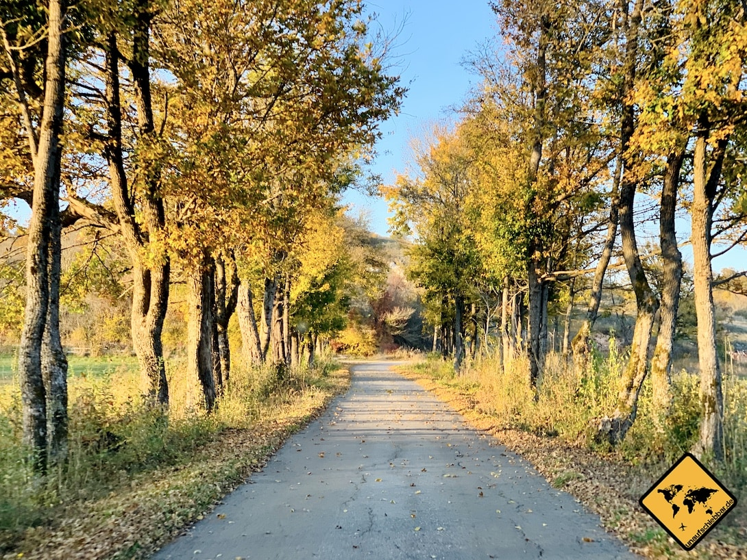 Straße Pećinski Park Grabovača