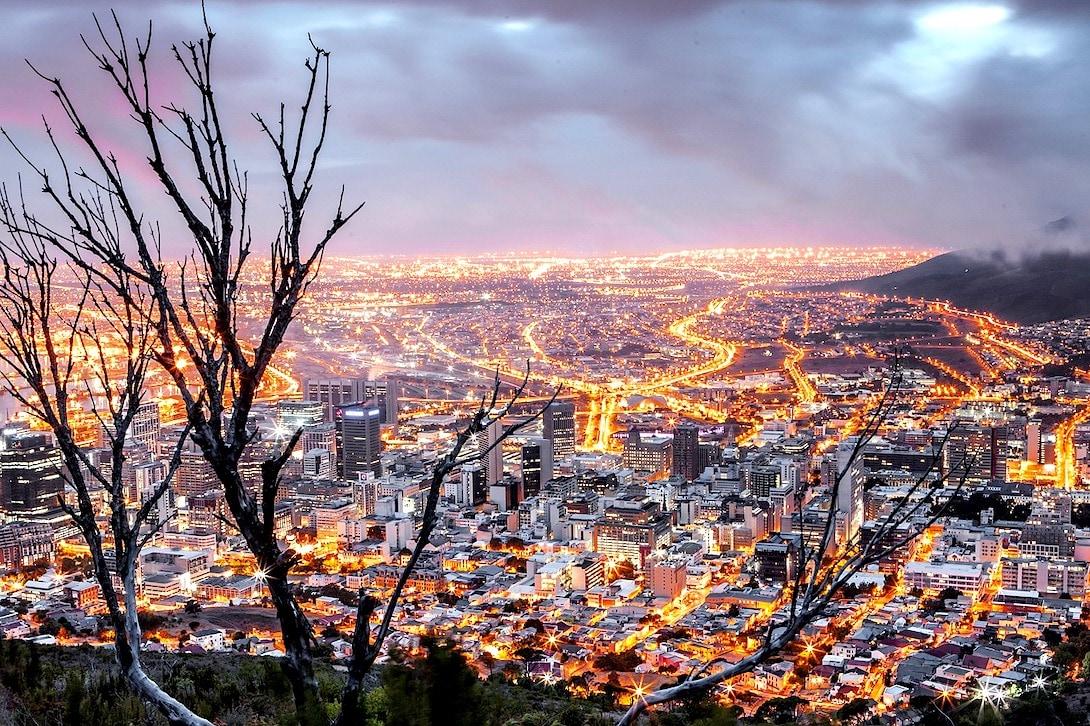 Südafrika Sicherheit Kapstadt am Abend