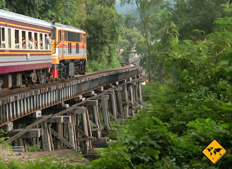 Sukhothai Historical Park Anreise Zug