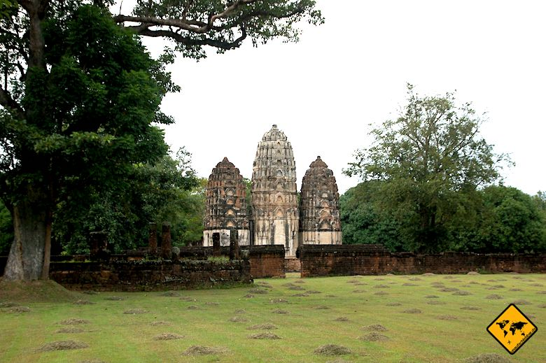 Sukhothai Historical Park Wat Si Sawai