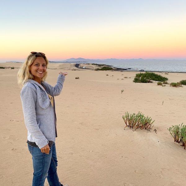 Tagesausflug Fuerteventura Corralejo Sanddünen Blick Lanzarote