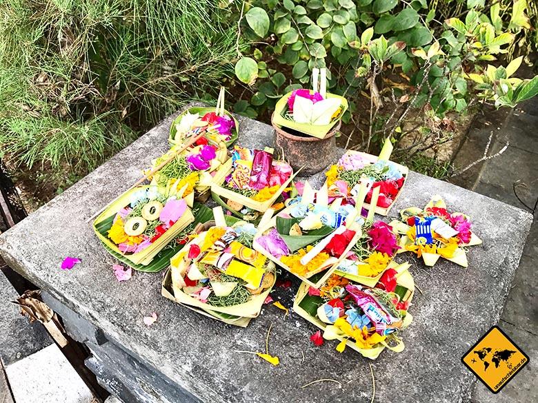 Tanah Lot Bali Opfergaben