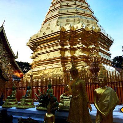 Tempel in Chiang Mai Doi Suthep Buddha Figuren