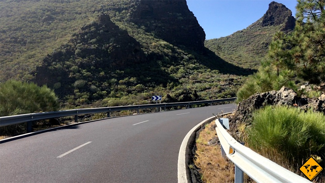 Die Anfahrt nach Los Gigantes aus Richtung Norden führt dich durch die schöne Landschaft