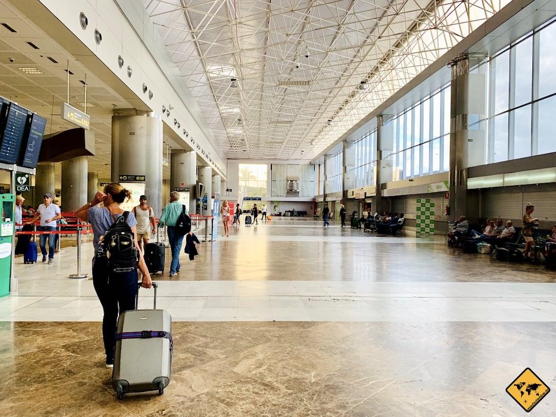 Teneriffa Süd Flughafen Halle