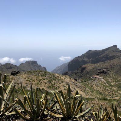 """Blick vom ersten Aussichtspunkt """"Mirador De Cherfe"""" auf das Teno Gebirge"""