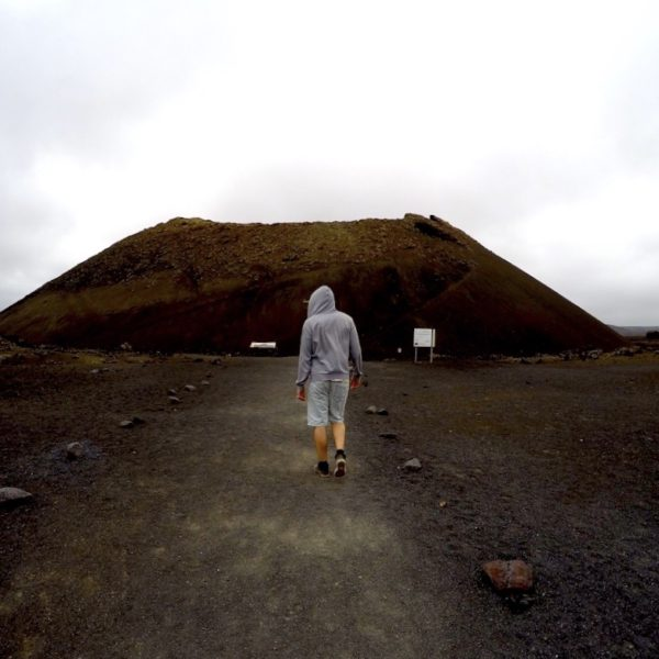 Christian auf dem Weg zum Volcan El Cuervo im Timanfaya Nationalpark Lanzarote