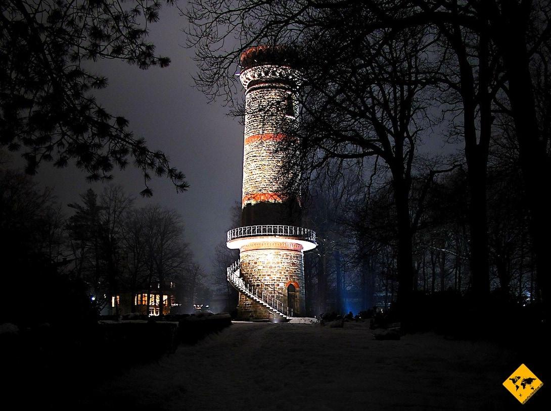 Toelleturm bei Nacht