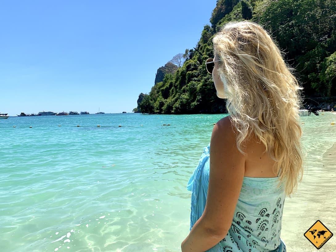Türkis-blaues Meer Koh Phi Phi Inseln Thailand