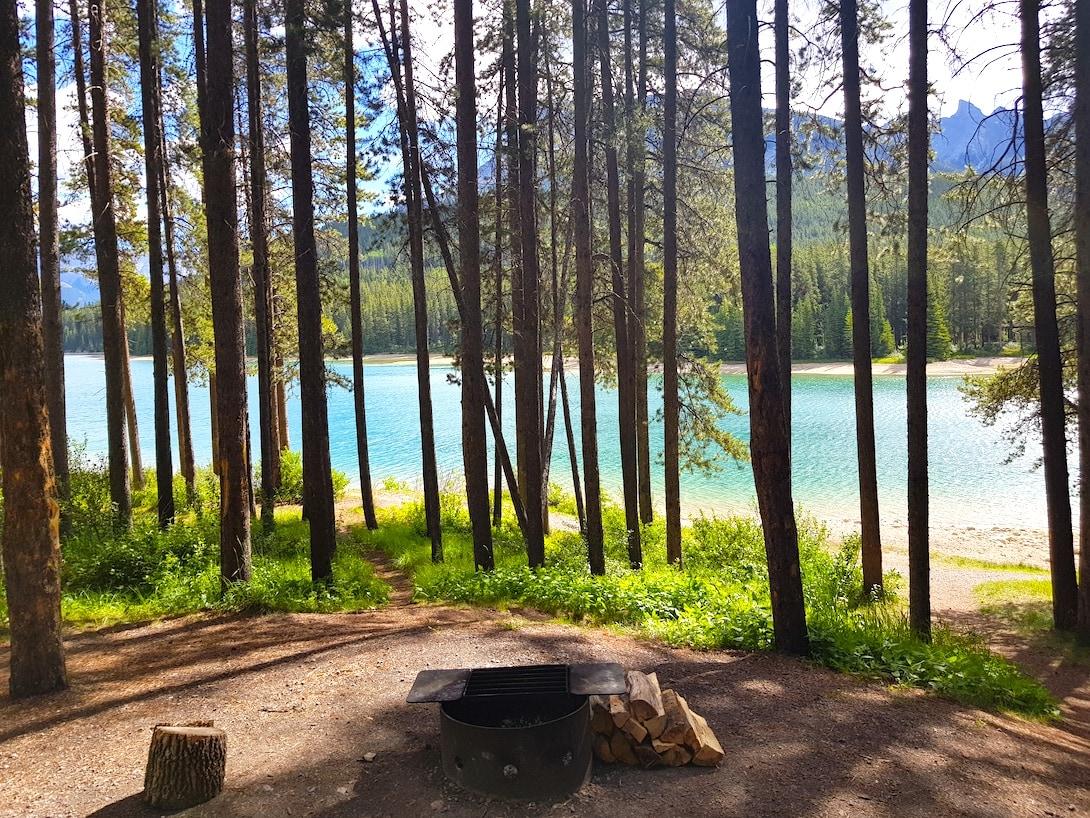 Two Jack Lakeside Campground Rocky Mountains Kanada