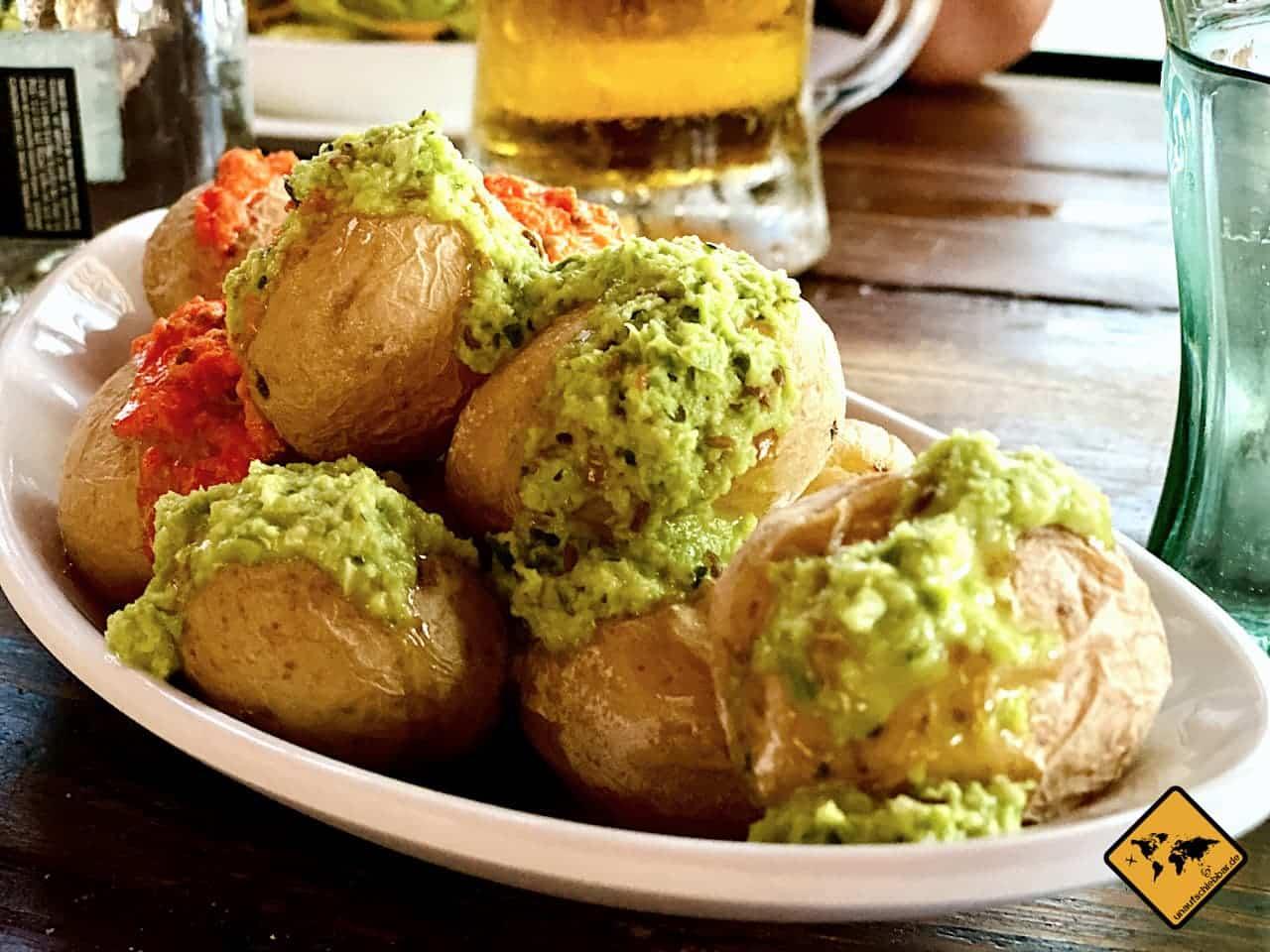 Urlaub auf Teneriffa Essen gehen kanarische Kartoffeln