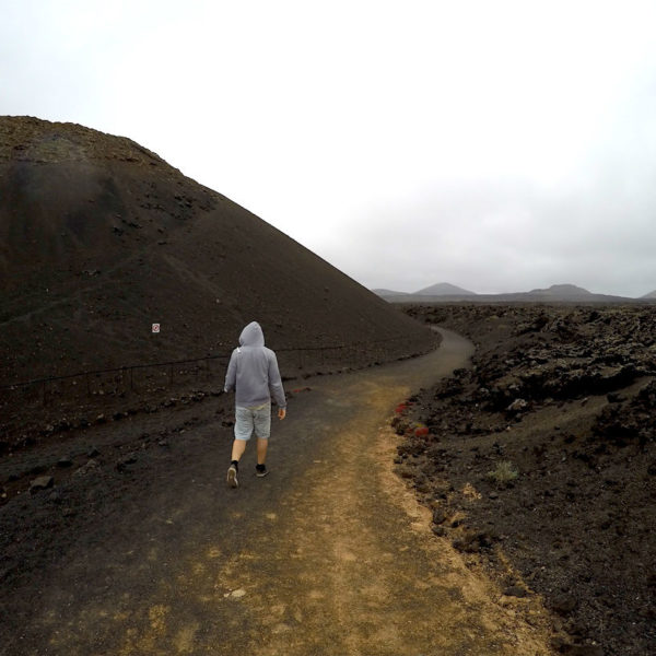 Christian auf dem Rundweg des Volcan El Cuervo