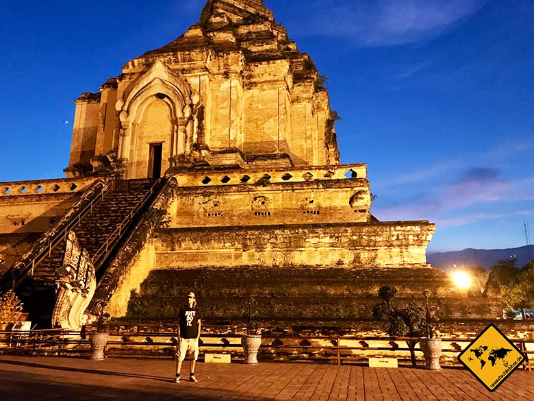 Wat Chedi Luang in Chiang Mai hohes Bauwerk