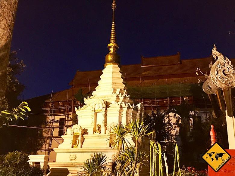Wat Chedi Luang kleine Chedi